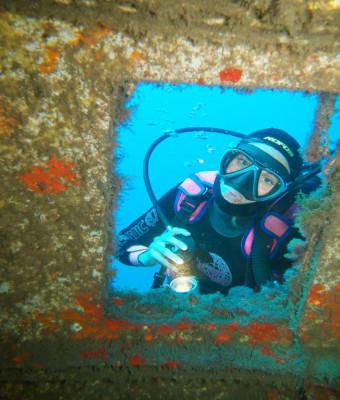 Zero Gravity - Diving Activities for Beginners