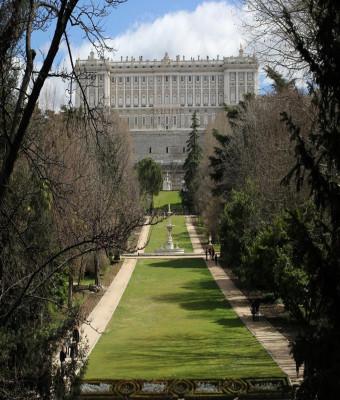 Tour guiado por el Palacio Real de Madrid con acceso prioritario