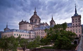 El_Monasterio_de_San_Lorenzo_de_El_Escorial_2-min