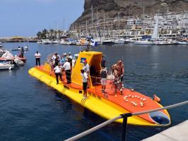 submarino-puerto