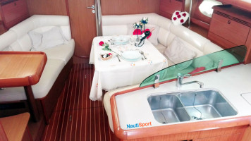 Excursion-Romantica-Interior-Velero-NAUTISPORT