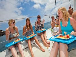 Paseo en catamarán por la isla La Graciosa